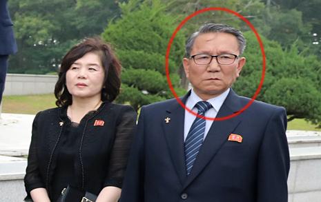 남북 물밑접촉? '서훈 국정원장-장금철 통전부장' 4월 만나