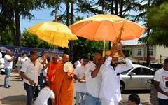 스리랑카 이주노동자들, 부처님 진신사리 모시다