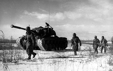 '정치적인 것'으로서의 한국전쟁