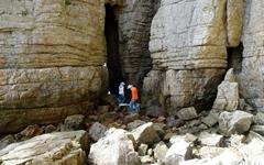 [사진] 관광명소가 된 피난 동굴
