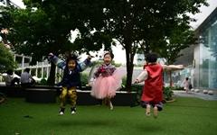 [사진] 추석 날 열린 아이들 한복 경연 대회