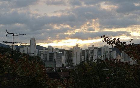 강남 → 목동 → 분당 아파트... 지금은 옥상집에 삽니다
