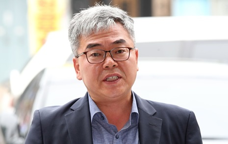"""박훈 변호사 """"조국 사의 표명 무책임... 검찰개혁 혼돈에 빠져"""""""