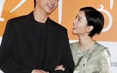 [오마이포토] '82년생 김지영' 공유-정유미, 아픔 공감하는 커플