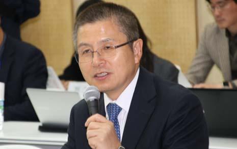 황교안, TK 언론 사주와 비공개 회동... '총선전략' 청취 논란