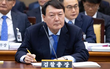 """""""MB정부 쿨"""" 만큼 섬찟했던 윤석열의 태도"""