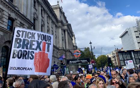 """런던 국회 앞 100만 시민... """"우리 목소리를 들어라"""""""