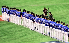 난타전 된 한일전, 첫 경기는 일본이 가져갔다