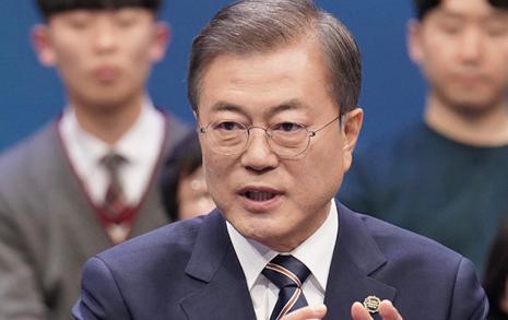 """""""검찰개혁 누가 못하게 했나"""" 송곳질문... 문 대통령의 답변은"""