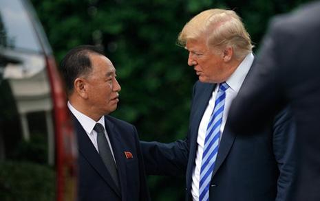 """김영철 """"트럼프, 참을성 없는 늙은이""""...멀어지는 북미협상"""