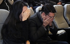 자식 잃은 부모가 국회의원에게 무릎 꿇게 하지 않으려면?