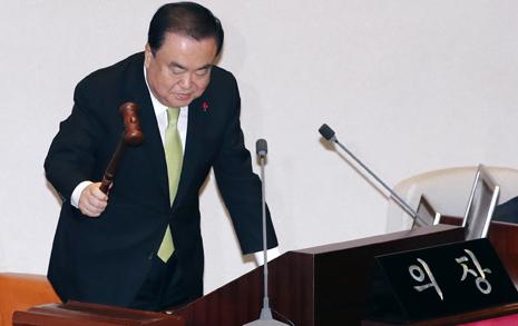 한국당 빠진 예산안... 예년과 다른 포인트 네 가지