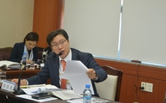 임기 절반도 못 채운 경남도의원의 중도사퇴에 비판