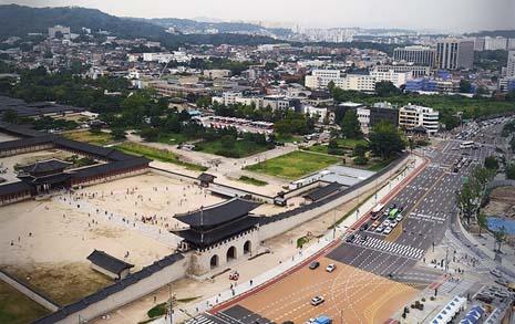 사실, 서울은 상처투성이 도시다