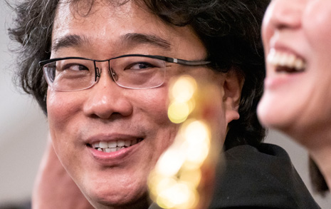 한국당의 뻔뻔함... 봉준호 블랙리스트 올려놓을 땐 언제고