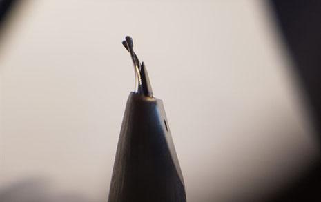 휘어진 만년필 펜촉, 수리가 전부는 아닙니다