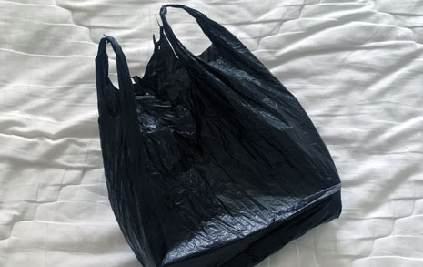 검은 비닐봉지 속 팬티, 아빠의 사랑은 까만색