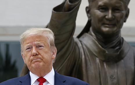 들불처럼 번지는 시위, 트럼프의 대처법, 오바마의 대처법