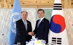 "UN사무총장 ""한국의 강력한 공중보건 대응, 모범이 됐다"""