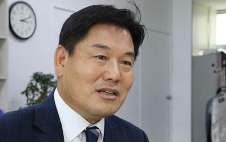 """""""권영진이 준 독배, 마시고 성공해내겠다"""""""