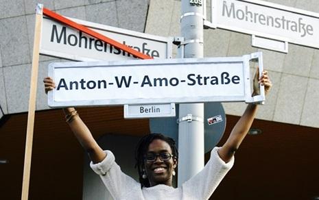 '히틀러 거리'는 없앴지만 '흑인 거리'는 남아있다