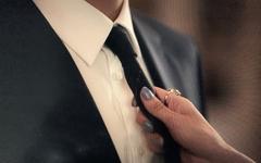 [주장] 남성들이여, 이제 코르셋을 입고 화장을 하자