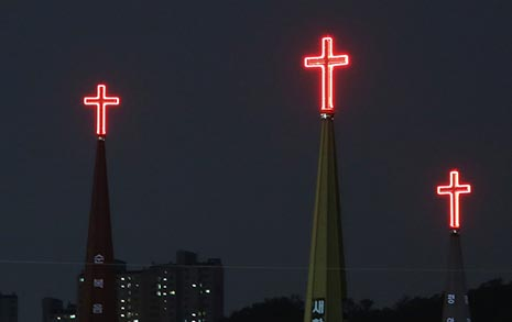 대면 예배에 목숨 걸자? 목사로서 부끄럽다