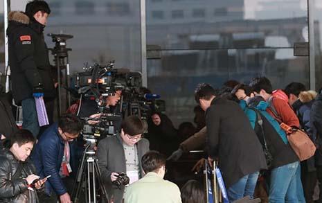 기자들의 권력 뒤흔드는 재야의 고수들