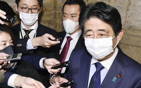 궁지 몰린 아베... 한국정치 비웃던 일본의 반전