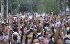 """미얀마 군부 """"군경이 죽이려했다면 한시간에 500명 죽었을 수도"""""""