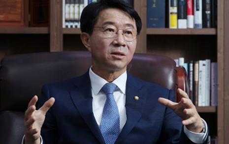"""""""당지도부, 경선연기론 종결하라"""" 이해찬계 중진 작심 비판"""