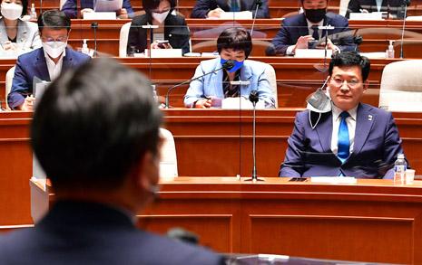 '경선 연기' 내홍 민주당... 20일 결정? 22일? 그 이후?