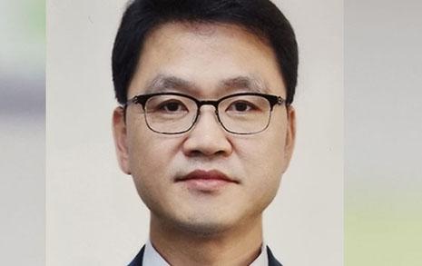 '박근혜 국정교과서' 입, 문재인 정부 교육비서관 임명 논란