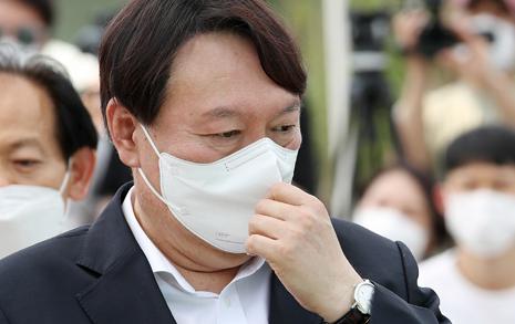 [차기 대선주자 선호도] 1위 윤석열, 2주만에 2.8%p 하락... 최재형, 야권 3위