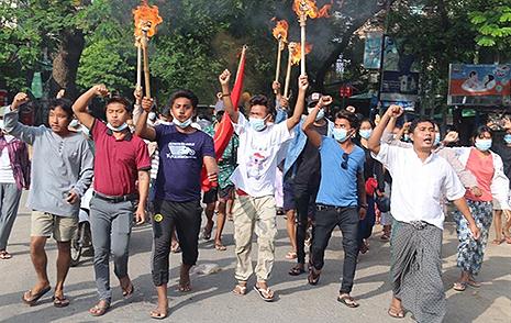 """""""2월 이후 미얀마 민주화 시위 관련 사망자 885명"""""""