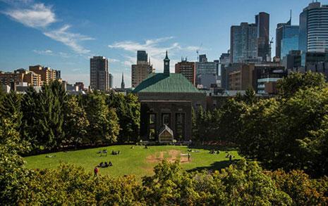 캐나다는 왜 70년 넘은  대학 이름 통채로 바꾸나
