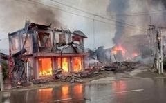 미얀마 쿠데타 군부 공격에 마을 집 10채 불타, 곳곳 전투 상황