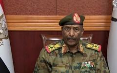 아프리카 수단 군부 쿠데타... 반대 시위대에 실탄 발포