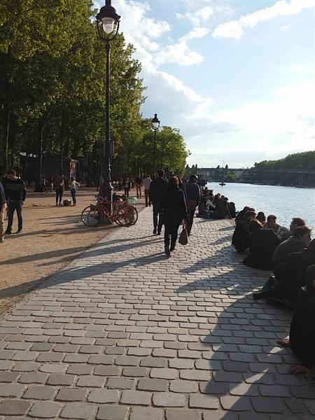 '어쩐지 싸더라니' 파리에서의 잊지 못할 샌드위치