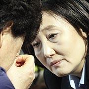 """박영선 만난 실종자 가족  """"잊히면 우린 죽어요"""""""
