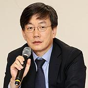 """JTBC <뉴스룸> 문 연다 손석희 """"쇼처럼 되진 않을 것"""""""