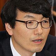"""""""원세훈 공소사실 1심 재판부가 바꿔치기했다"""""""