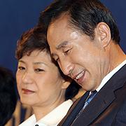 '이명박근혜' 뒤에는 삼성이 있다?