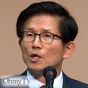 """""""이승만·박정희 동상 초등학교마다 세우자"""""""