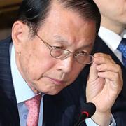 여론 주시 중인 청와대  김기춘과 3인방 거취는?