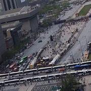 """""""광화문으로 와 달라"""" 거리로 나선 시민들"""