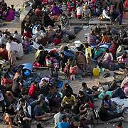 네팔, 여행자 탈출 아우성... 일부는 구조가세