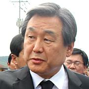 """노건호, 김무성 면전에서  """"전직 대통령 죽음 몰아넣고..."""""""