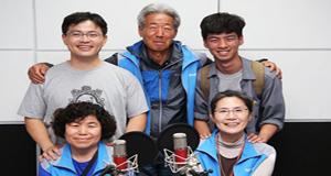 """밀양 할매, 할배 '탈탈원정대' """"송전탑 지옥을 막자"""""""