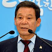 '봉변' 김무성에 놀아난  '시민시장' 윤장현